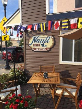Cheboygan, MI: The Nauti Inn Barstro