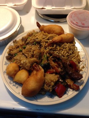 Agassiz, Canadá: Beef Fried Rice,Fried Prawn,S&S Chicken Ball,Beef&Bean Chop Suey, Chicken Chow Mein,Honey Garlic