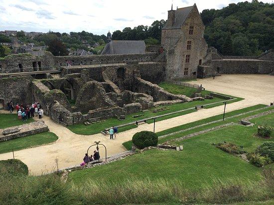 Château de Fougères: photo2.jpg