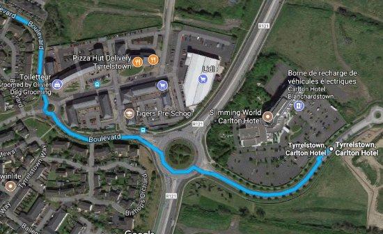 Tyrrelstown, Ireland: dintorni dell'hotel con tracciato del bus che porta in centro
