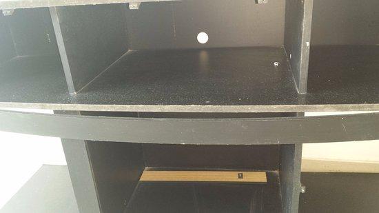 Uno dei mobili della cucina - Picture of Torres del Lago ...