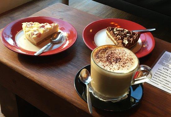 Eccles, UK: Combat wet weather ! Cheesecake an' a Cappucino !! Voila !