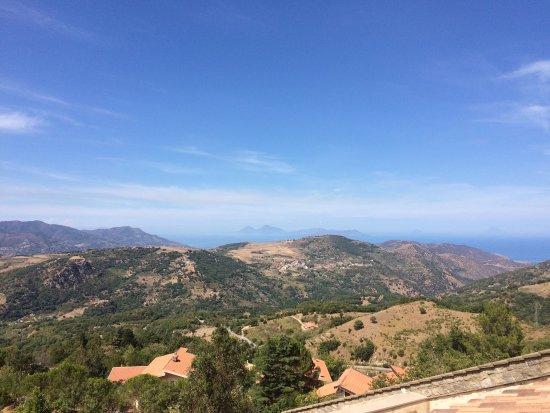 Montalbano Elicona, Italy: La vista dal terrazzino