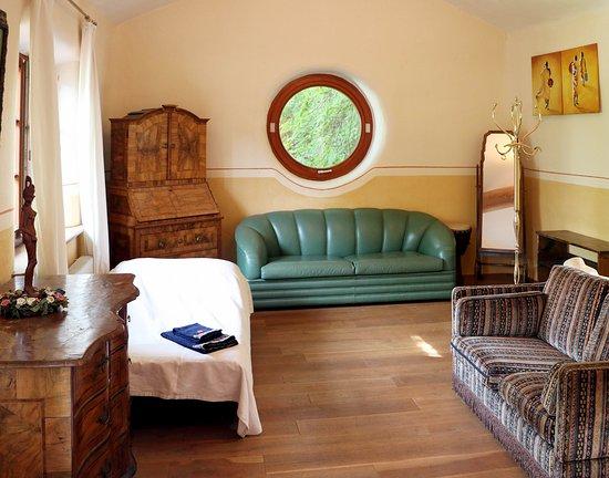 Uetliberg, Schweiz: Guesthouse bedroom