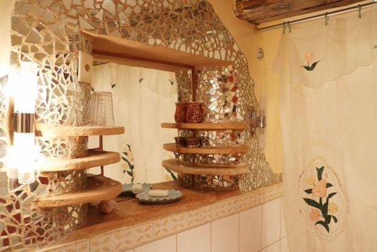 Uetliberg, Schweiz: Guesthouse bathroom