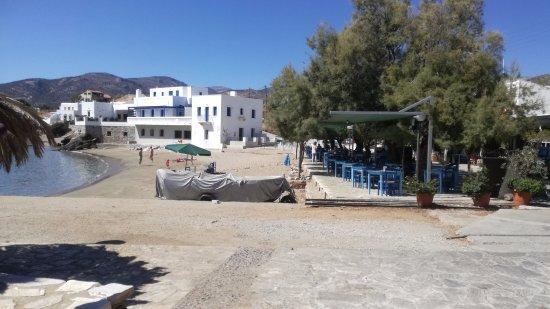 Moutsouna, Greece: osteria net sulla spiaggia