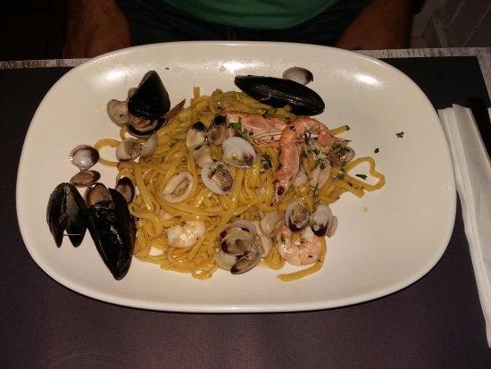 Spaghetti ai frutti di mare picture of pomodoro for Pomodoro senigallia