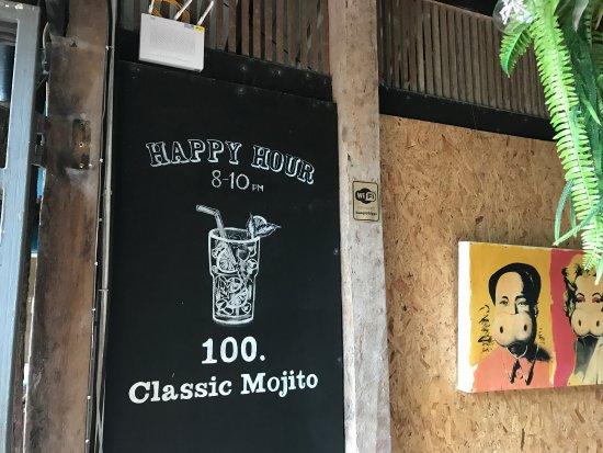 Hippo Bar & Grill: photo4.jpg