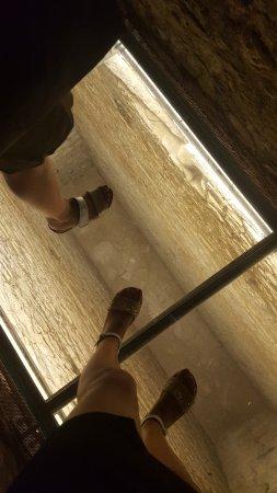 Aymavilles, Italia: passerella in vetro