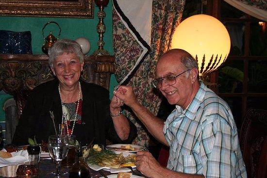 Uvongo, Южная Африка: Enjoying dinner at Stephward Estate restaurant