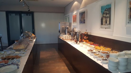 Hotel Sipan: Breakfast at Hotel
