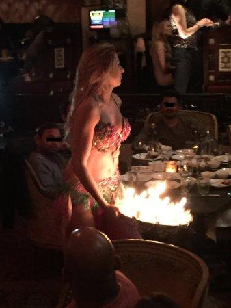 Prive: エジプシャンレストランのベリーダンスのショーに案内して頂きました。