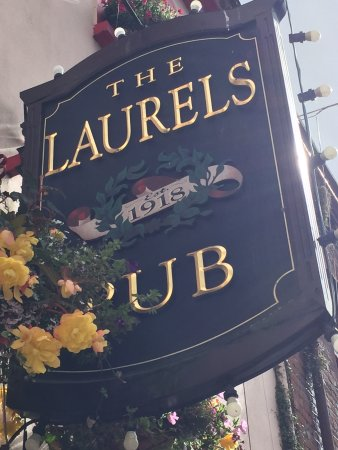 The Laurels Pub : So you can recognize it when you get to downtown Killarney.