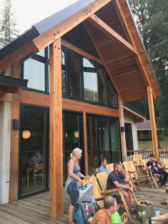 Wallowa, Oregón: The lodge where all good is served. Fun hangout place & people meeting