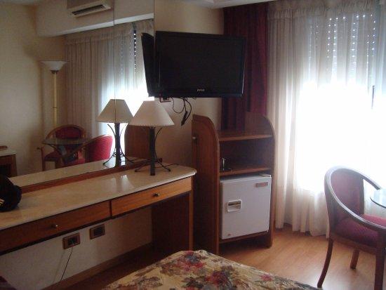 Hotel Garden: room frigobar