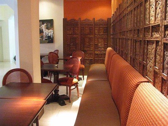 Hotel Concorde: Lobby Bar