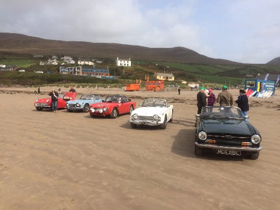 Inch Beach: Triumph TR owners and their vehicles on the beach
