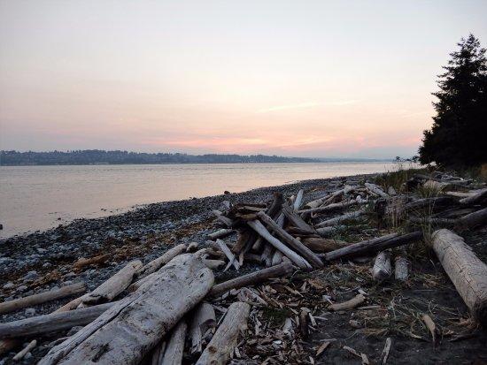 Quathiaski Cove, Canadá: tramonto vicino al faro