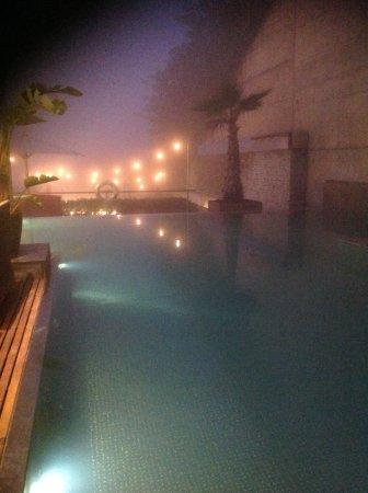 Gran Hotel La Florida: Pool overlooking the city