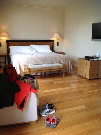 Gran Hotel La Florida: Large room king size bed