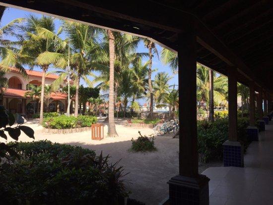 SunBreeze Hotel: Hotel Patio