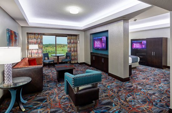 Prior Lake, MN: Executive Suite