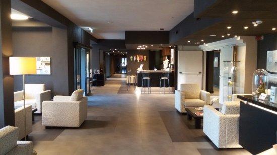 Hotel motel king varedo italie voir les tarifs et for Motel bas prix