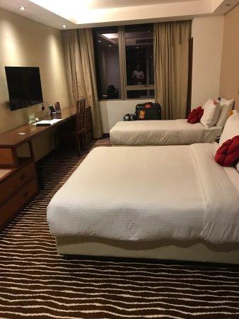 Butterfly on Wellington: 房間乾淨,整體空間比一般香港酒店都來得大,最喜歡的是浴室的設計