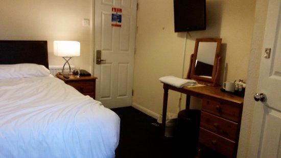 Gatwick Corner House Hotel: Single Room