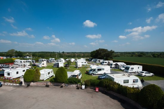 Winsford, UK: Touring Park (mainly hard standing)