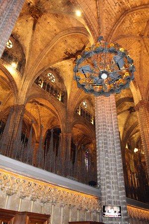 Interior de la catedral foto de barcelona cathedral for Interior de la catedral de barcelona