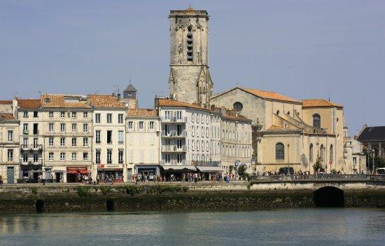 Vieux port picture of vieux port la rochelle tripadvisor - Restaurant vieux port la rochelle ...