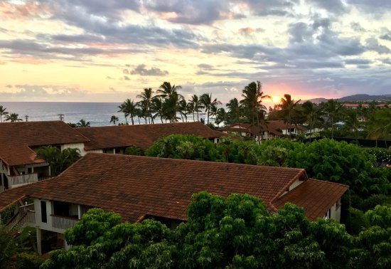 Nihi Kai Villas: More sunset views from back lanai