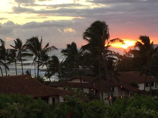 Nihi Kai Villas: Sunset from back lanai