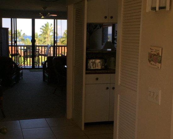 Nihi Kai Villas: View into condo from front door