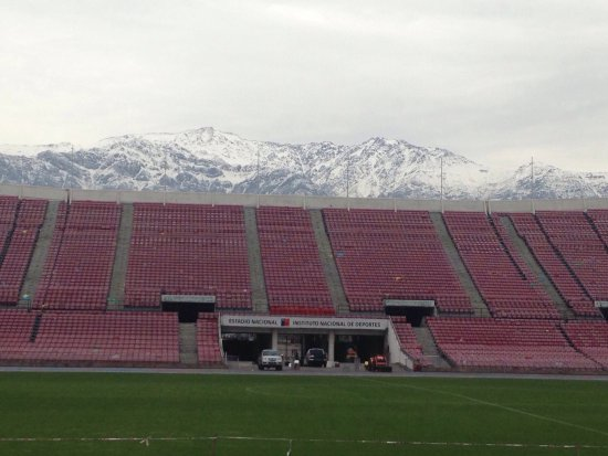 Estadio nacional julio martinez pradanos other great for Puerta 27 estadio nacional