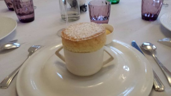 Charolles, France: dessert