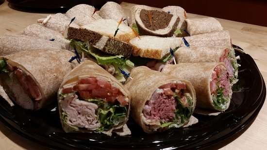 Ballston Spa, Nova York: Catering Tray - Wraps and Salads
