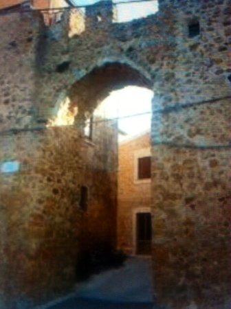 Le mura e le porte urbane naro 2019 ce qu 39 il faut - La vecchia porta ...