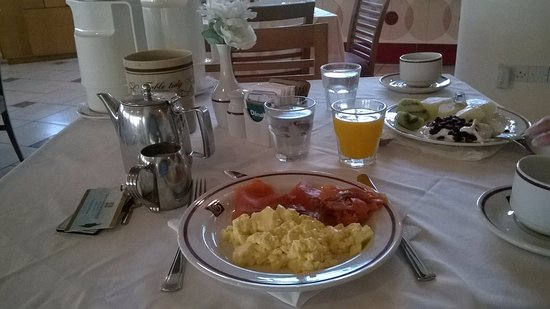 Constantinou Bros Athena Royal Beach Hotel: Salmon and scrambled egg for breakfast