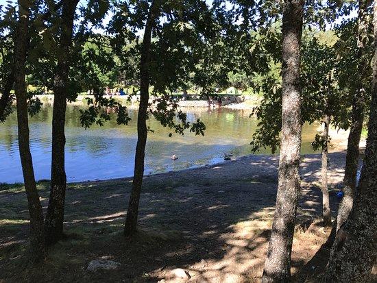 Las presillas piscinas naturales de rascafria spanien for Las presillas piscinas naturales