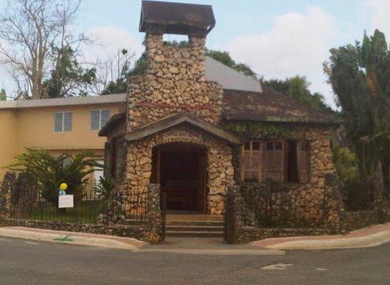 Iglesia Metodista De Piedra
