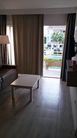 Puerto Azul Suite Hotel: 20170908_190953_large.jpg