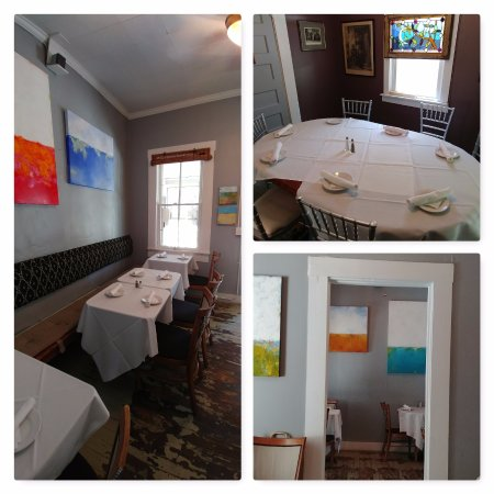 Weston, MO: Lovely art & linened tables!
