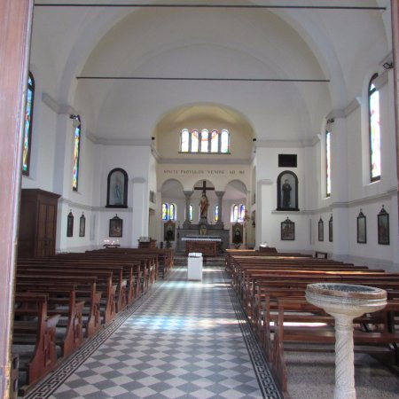 Tirano, Italie : interno chiesa