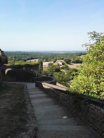 Biron, Francia: Uitzicht vanuit het kasteel