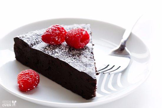 Weston, MO: Flourless Chocolate Cake
