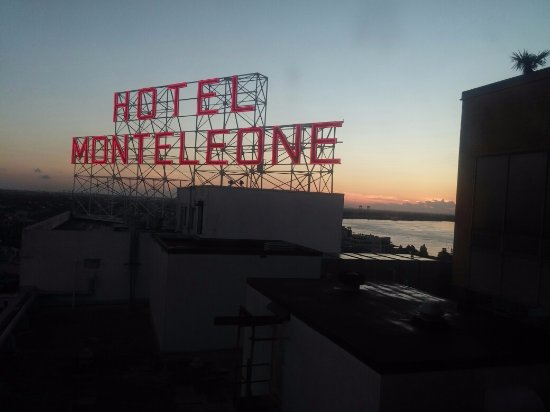 Hotel Monteleone: From our window, at sunrise!
