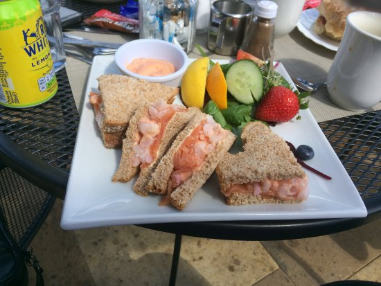 Sandside Cafe: Yummy seafood with strawberries!
