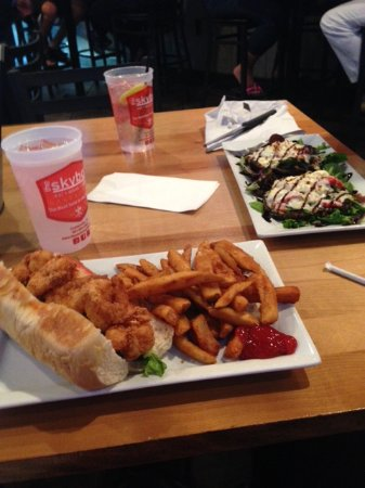 Collierville, TN: Shrimp Po Boy and Stuffed Portobello mushrooms